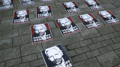 Fiscalía sueca acepta fallo judicial de no detener a Julian Assange