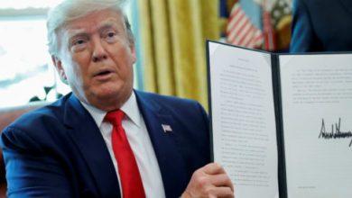 Trump firma nuevas sanciones contra líder iraní y ocho comandantes