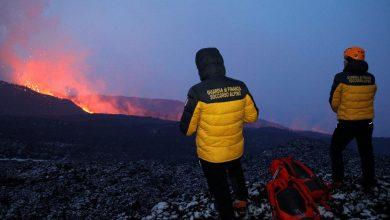 El volcán Etna, al este de Sicilia, entra de nuevo en erupción