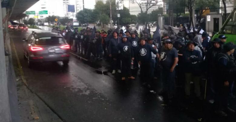 Extienden policías federales bloqueo de Periférico más de 10 horas; subsecretario los espera para dialogar 1