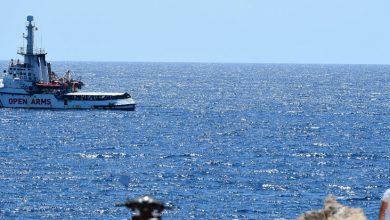 Open Arms rechaza desembarcar en puerto ofrecido por España