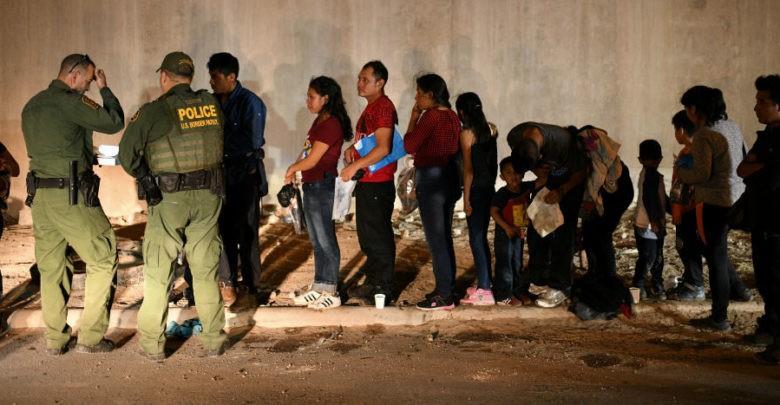 Corte Suprema autoriza al gobierno de Trump negar asilo a migrantes en la frontera sur