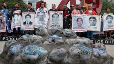 Photo of Liberados, 53 de los 142 detenidos por la desaparición de los normalistas de Ayotzinapa: Encinas