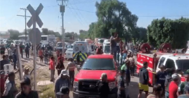 Crónica de la tragedia que enlutó a La Valla, llanto y dolor en las vías del tren, rescatan 8 cuerpos de entre fierros retorcidos