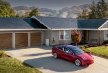 Tesla está lanzando la versión tres de su teja solar esta semana