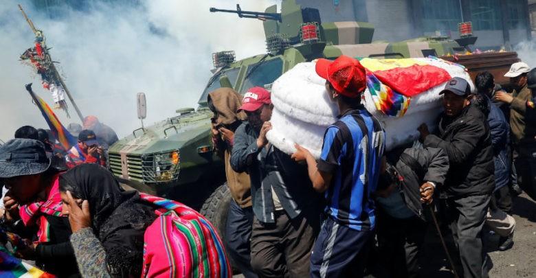 """Gobierno de facto en Bolivia reclama a México por """"violar"""" principios de asilo, en el caso de Evo Morales"""