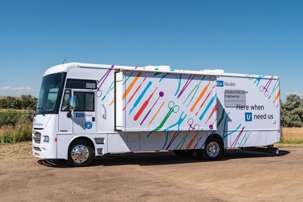 UCLA ahora tiene el primer laboratorio de instrumentos quirúrgicos móviles totalmente eléctrico de cero emisiones