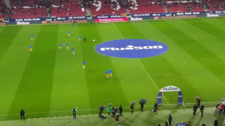Insultos para Griezmann nada más pisar el césped del Atlético