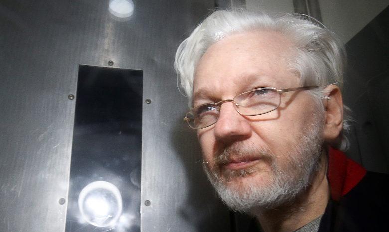 Assange se presentará el 23 de enero a última audiencia previa al juicio de extradición