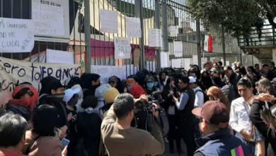 Photo of Alumnas de la UAEMex denuncian acoso y venta de 'packs'; 'la carne es débil', afirmó profesor