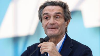 Photo of Presidente de región italiana de Lombardía está en cuarentena por posible exposición a coronavirus