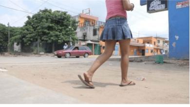 Photo of Pretendía vender a su hija de 12 años, el padre ya la tenía tratada, lo detiene policía ¡INCREIBLE¡