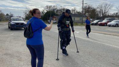 Photo of Récord de maratón destrozado en el maratón de Charleston por el hombre en el exoesqueleto