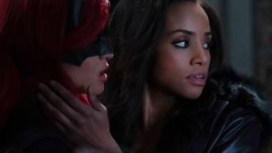 """Photo of Sophie y Batwoman se acercan en fotos """"Sonriendo de oreja a oreja"""""""