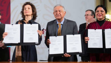 Photo of Suscriben AMLO y UNESCO acuerdo para fortalecer lenguas indígenas