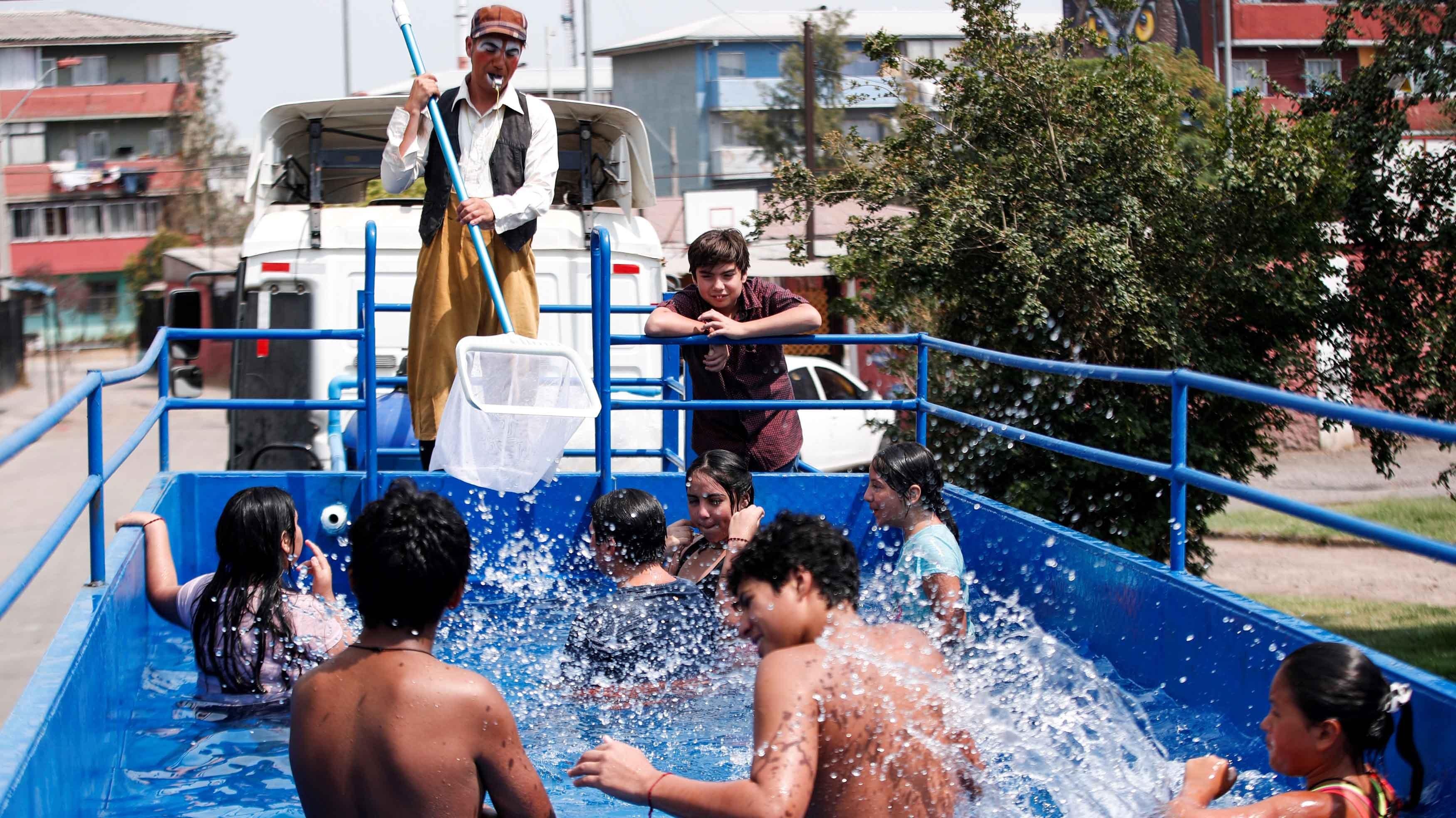 """Video: la """"piscina móvil"""" que es furor entre los niños 2"""