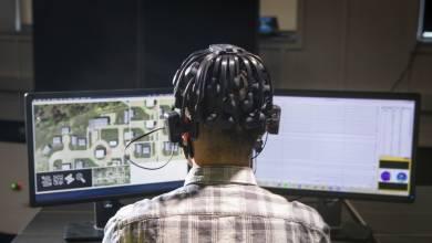 Photo of El gobierno quiere usar tus ondas cerebrales para entrenar enjambres de robots militares