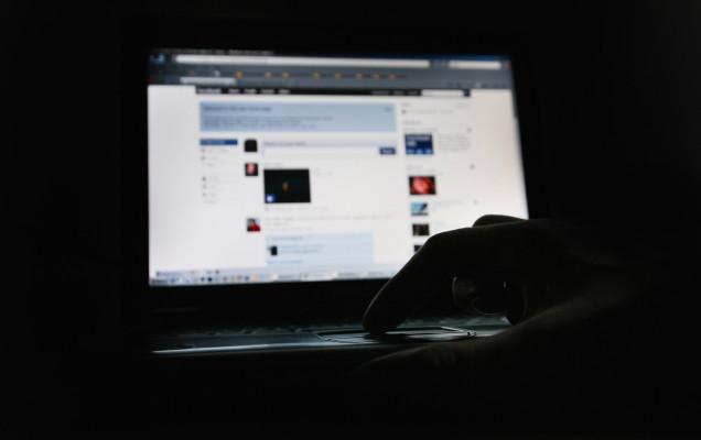 Facebook pagará $ 52 millones a moderadores de contenido que padecen TEPT - La Neta Neta
