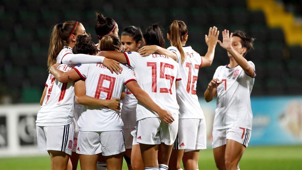 Photo of 0-9: España homenajea a Torrecilla con una goleada y el liderato