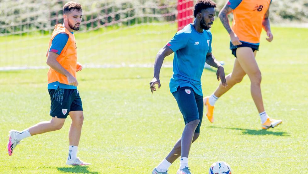 Williams e Iñigo Martínez, titulares ante el Eibar 1