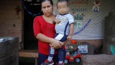 Mejor vivir pobre pero con mi hijo, dice madre de menor migrante abandonado en México